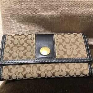 Coach Wallet (with checkbook case) like brand new